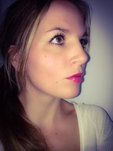 Het effect van de blush met schemerlicht en flitser